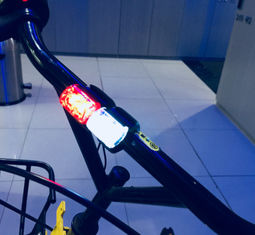 China Road Cycling LED Bicycle Lights With Built In 2PCS CR 2032 / 3V Batteries supplier